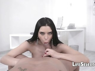 Busty angel Kira Queen enjoys hot seduction