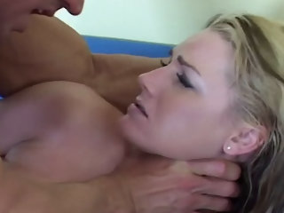 Flower Tucci squirts for Lee Stone
