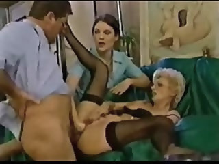 Mature Eva needs anal fuck and pussy fist