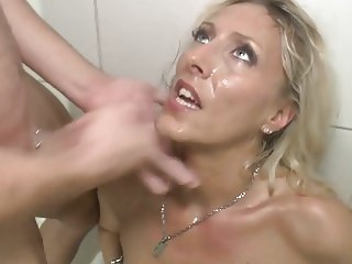 German Mom cumming in the shower