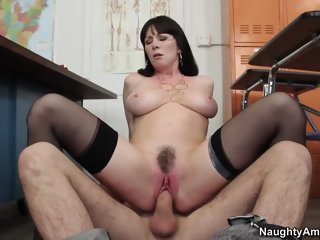 Mellow breasty mature woman RayVeness is sucking cock