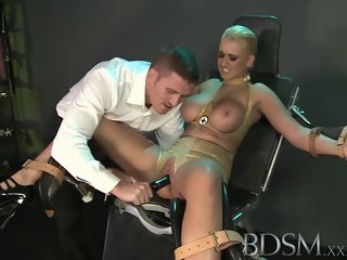 Godly British lady making a kinky fetish performance