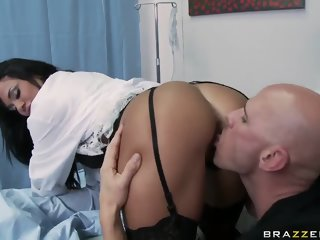 Comely breasty Savannah Stern is sucking my cock