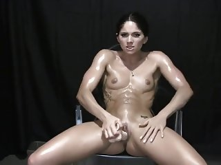 Pretty Muscular girl.mp4