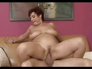 Horny Busty Mature Seduce Young Boy