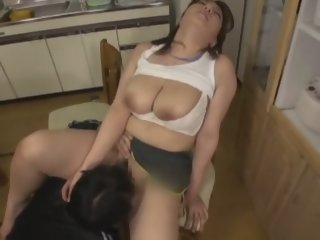 An Mizuki in Jogging Training With Busty Sis