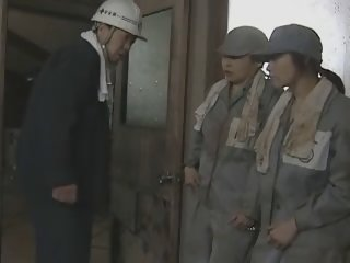 Prison girls escape 1