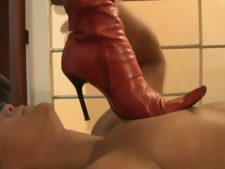 Femdom fetish babe gives a footjob to the dude feature