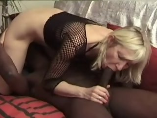 french aged granny receive bbc anal culo troia