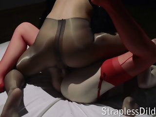 Strapon sex with a cumshot at the end
