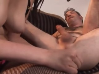 AssPlay-Strapon Teen does older guy