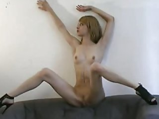 Acrobatic hot doll shows it all