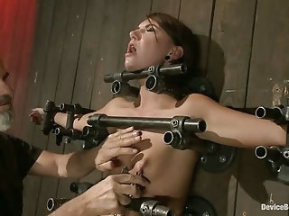 Young slut feels the wrath of inescapable devices while enduring extreme torture