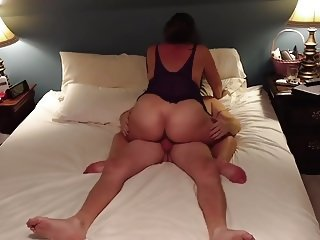 SEXY THICK MILF VS HUBBY